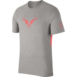 Pánské tenisové tričko Nike Rafa TEE DK GREY HEATHER/HOT PUNCH